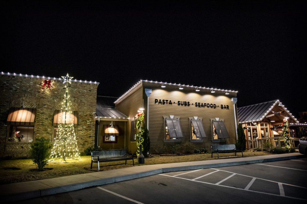 commercial restaurant christmas lighting