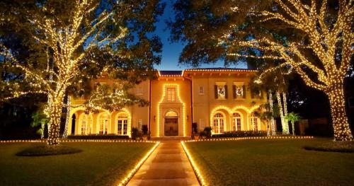 Houston Residential Christmas Lighting